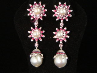 Pearl Dangle Ear Pendants